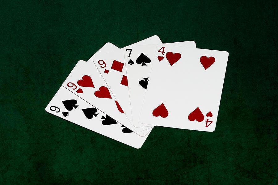 Стрит в покере с тузом