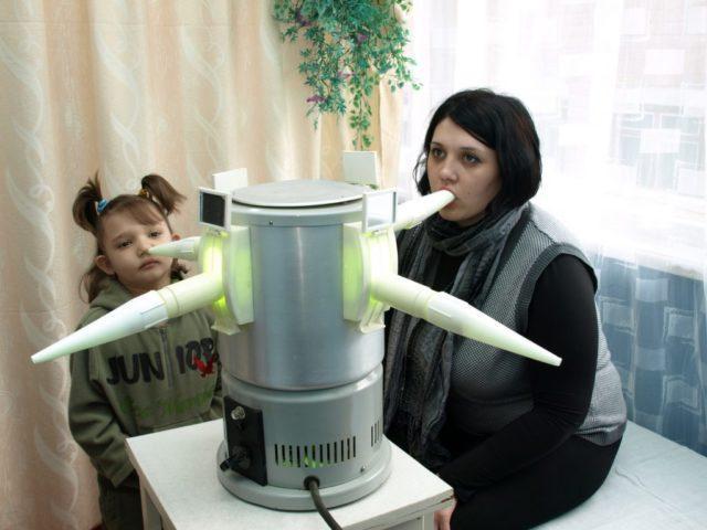 Комаровский - кварцевая лампа для дома и в садик: польза и вред кварцевания
