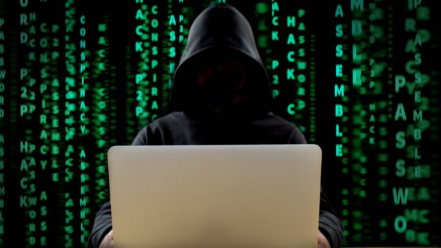Кто такой хакер? кого и зачем он взламывает? как стать хакером?