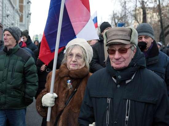 Кому в россии повысят пенсии с 1 июля: новые льготы, индексация для работающих пенсионеров