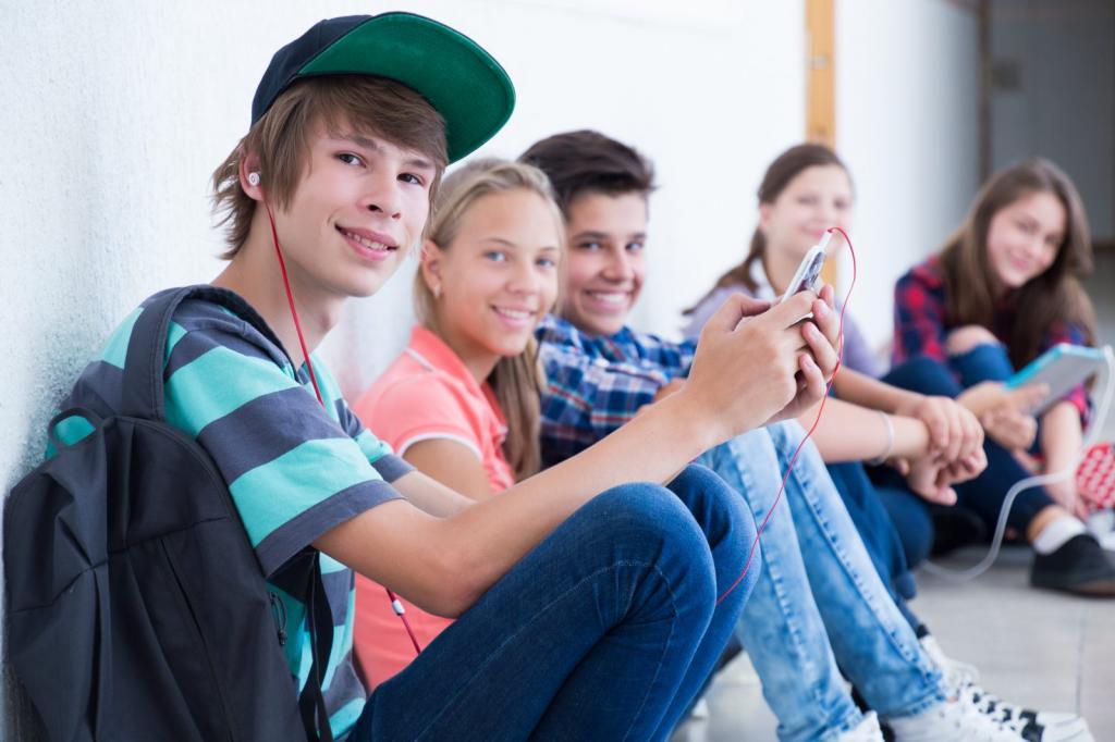 Психология подростка: особенности подросткового возраста в 12, 14, 15, 16, 17 лет, советы психологов для родителей мальчиков и девочек, как справиться с кризисами