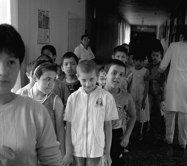 Дети-сироты: что на самом деле происходит в детских домах. дети в детдомах