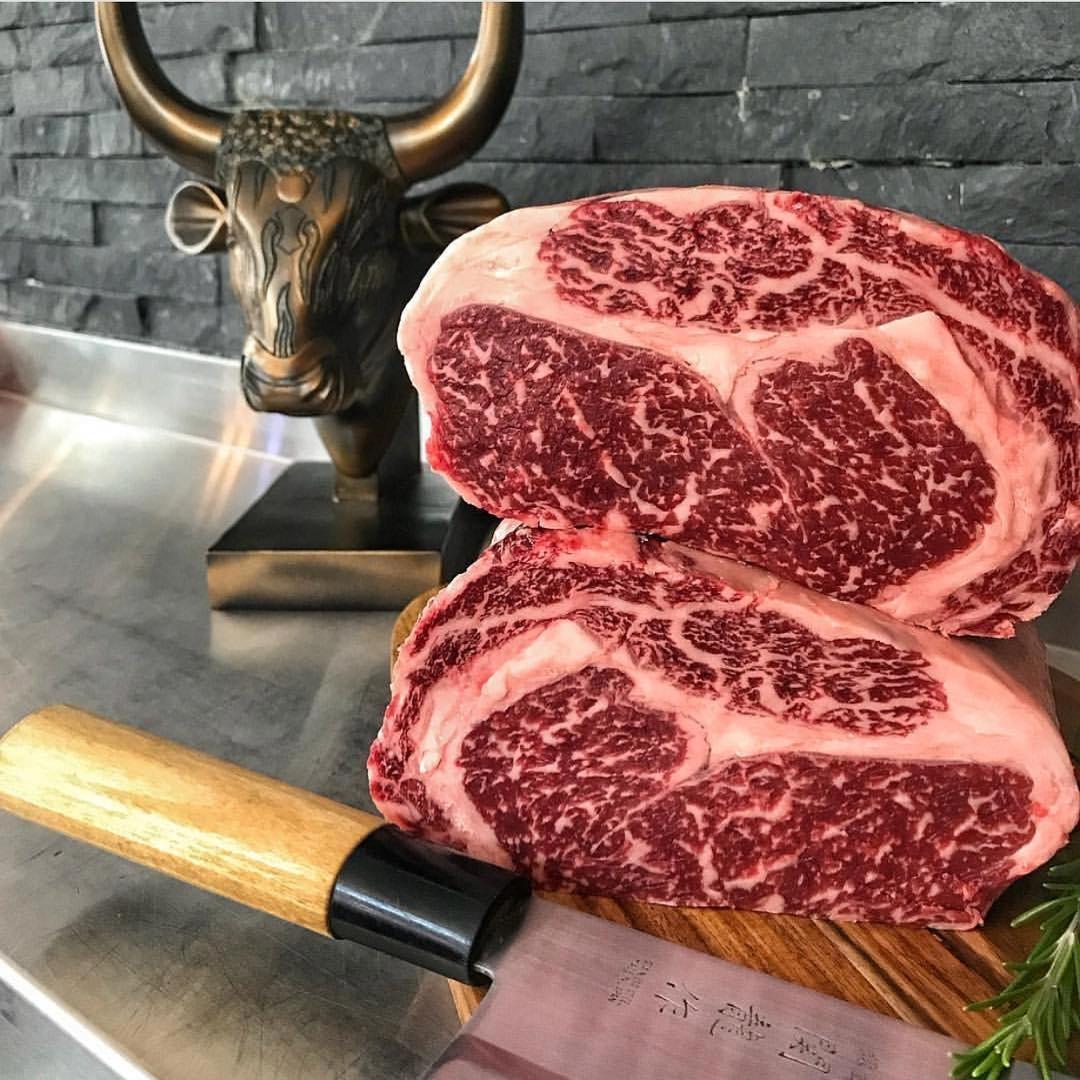 Что такое мраморная говядина. все что нужно знать о мраморной говядине. почему говядину называют мраморной. степени мраморности мяса, как их узнают?