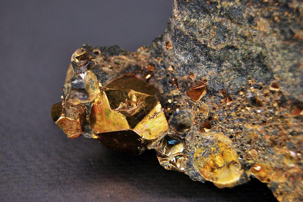 Золото в природе - как образуется и выглядит востребованный драгоценный металл