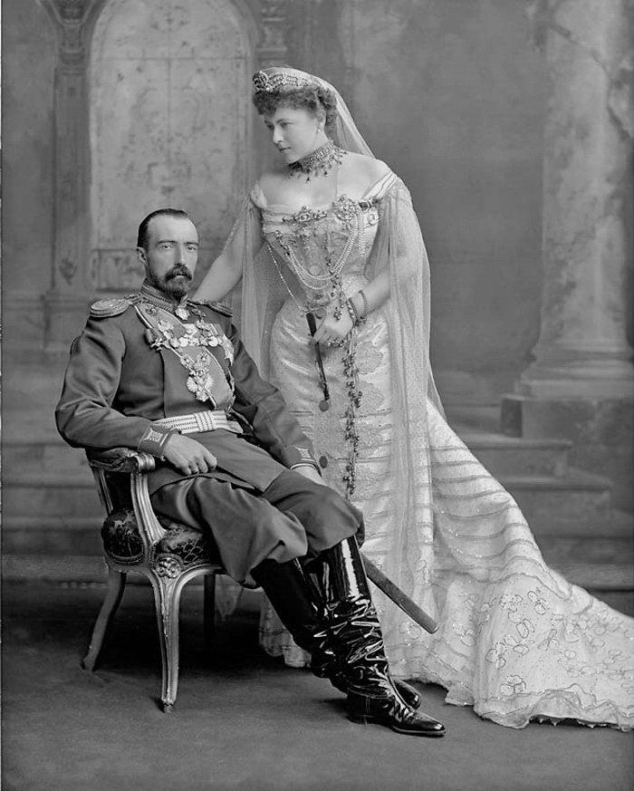 Морганатический брак — википедия