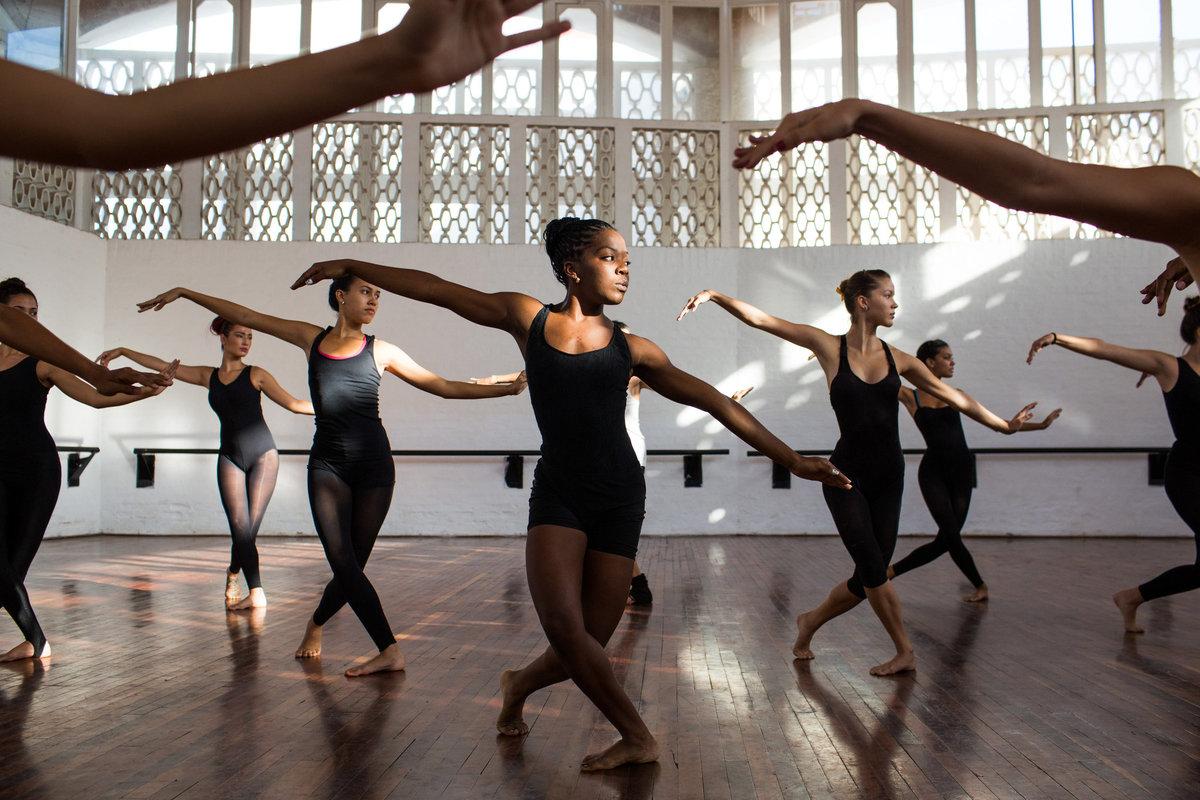 Танец — википедия. что такое танец