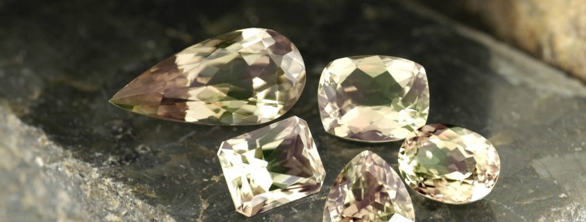 Фианит: что это за камень и какими обладает свойствами