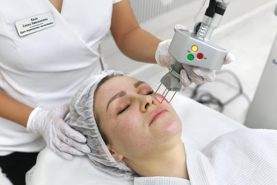 Плюсы и минусы лазерного омоложения лица
