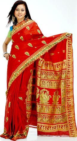Зачем индийские девушки носят сари и насколько это удобно