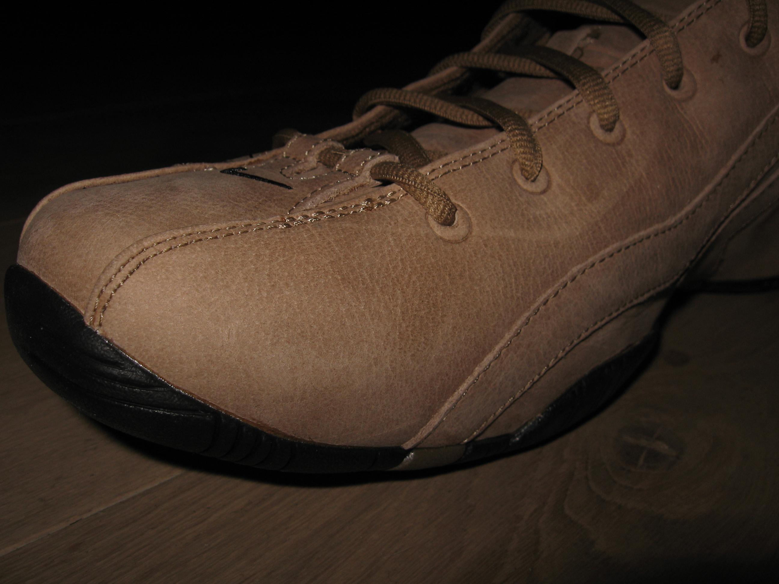 Нубук: что за материал для обуви, искусственный или натуральный, виды (промасленный, гидрофобный), лучше ли кожа, отличия от замши