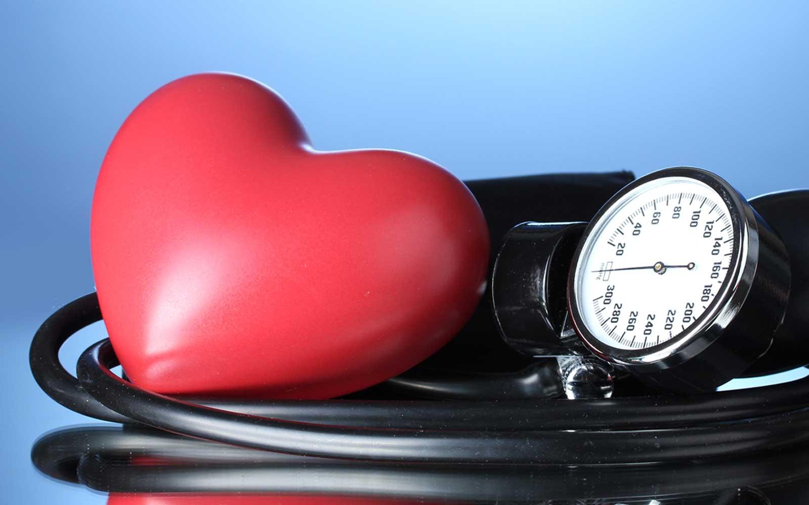 Гипертония 1 степени: лечение, симптомы, причины и рекомендации