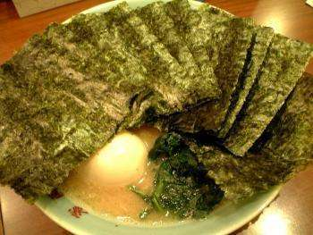 Нори (26 фото): что это такое и как делают листы из нори для суши? калорийность, польза и вред водорослей, их состав и срок годности. отзывы
