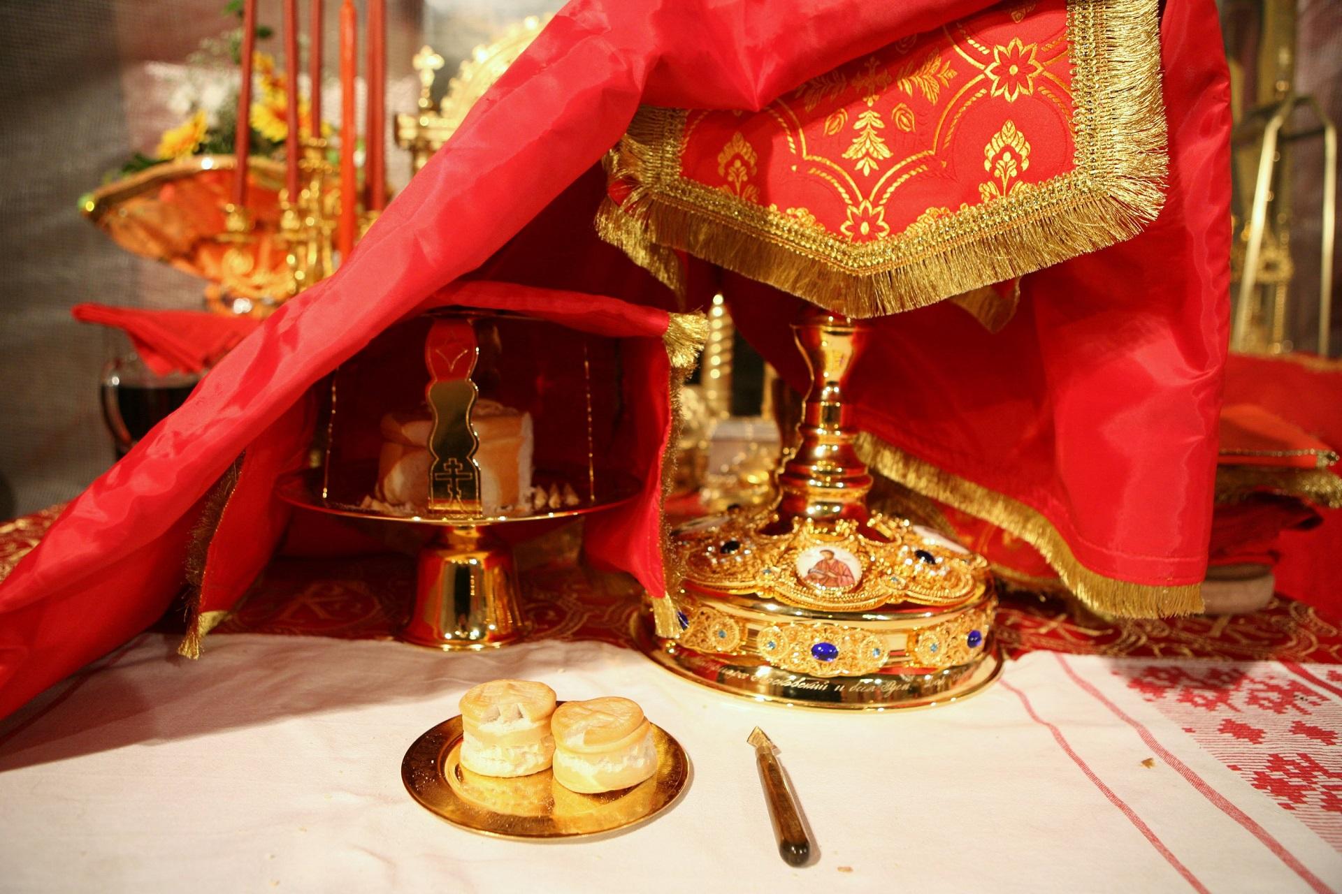 Что такое проскомидия о здравии в православии: значение обряда, подготовка и порядок совершения + как подавать записку