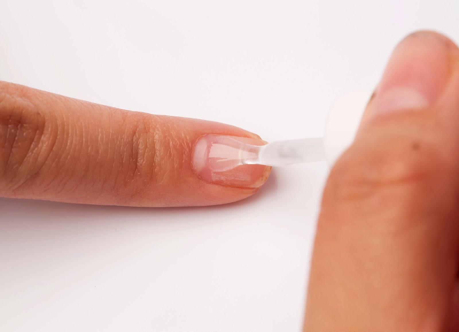 Обезжириватель и праймер для ногтей: назначение и свойства