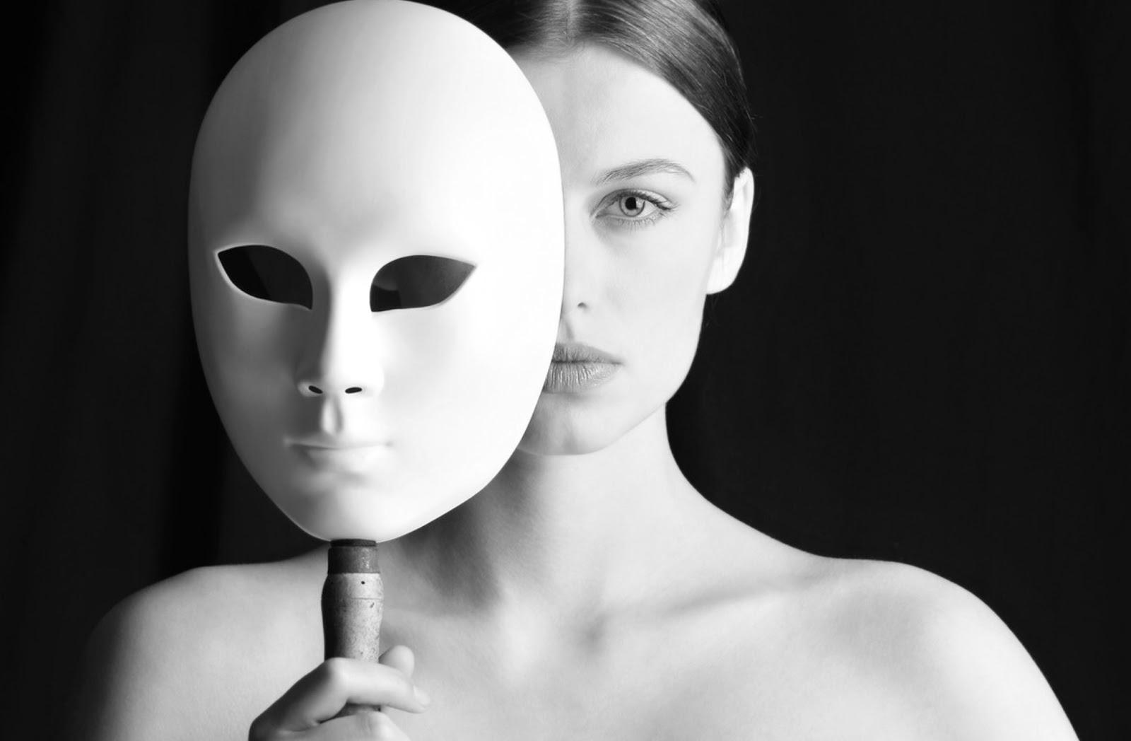 Что такое лицемерие в современном обществе и как с ним бороться?