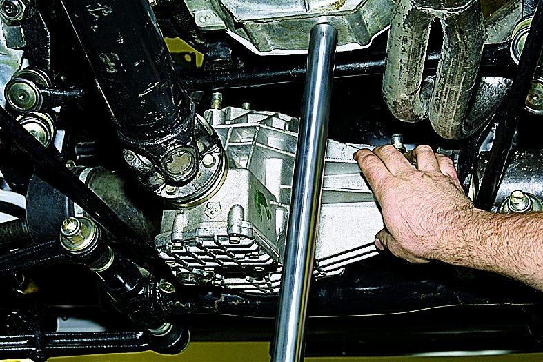 Что такое система смазки двигателя с сухим картером