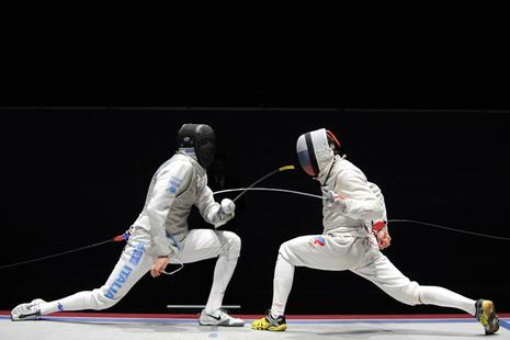 Шпага, тяжелая, легкая, утяжеленная, испанская и русская, тренировка, фехтование, дуэль и бой, части оружия - рукоять и клинок