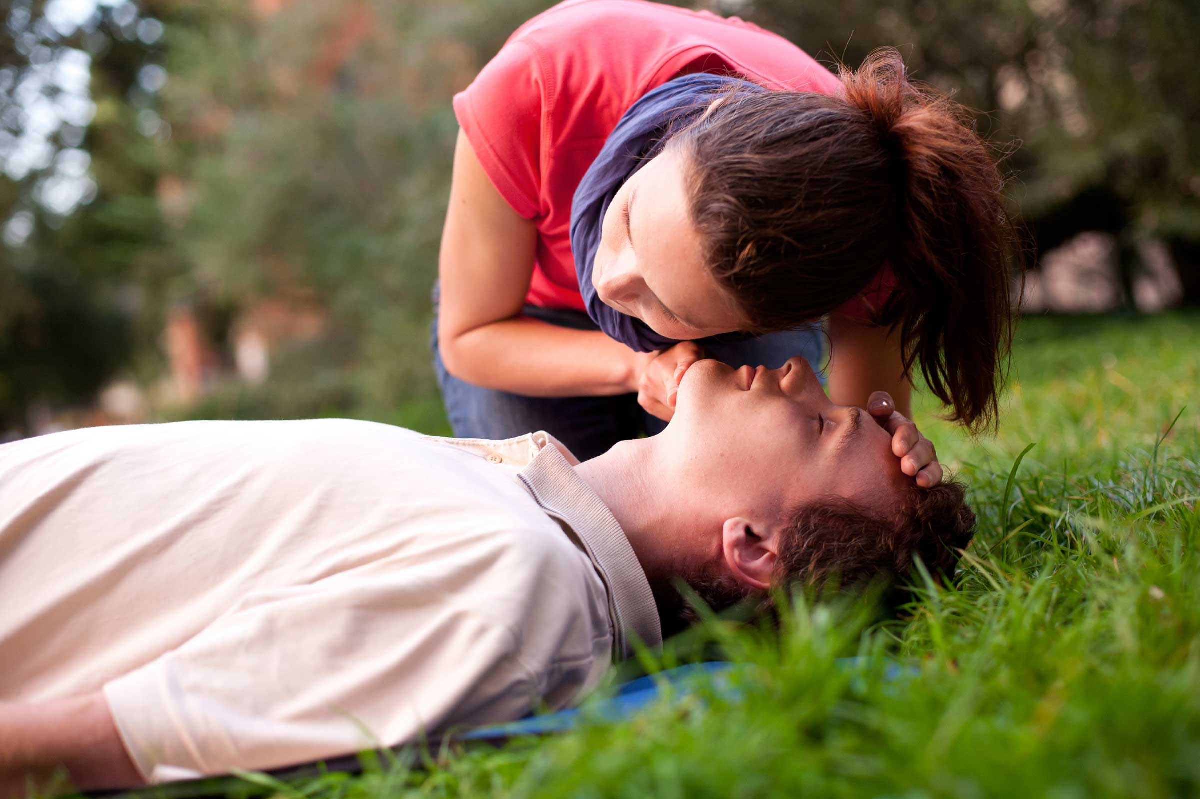 Сердечно-легочная реанимация по новым стандартам - первая помощь при остановке сердца и дыхания