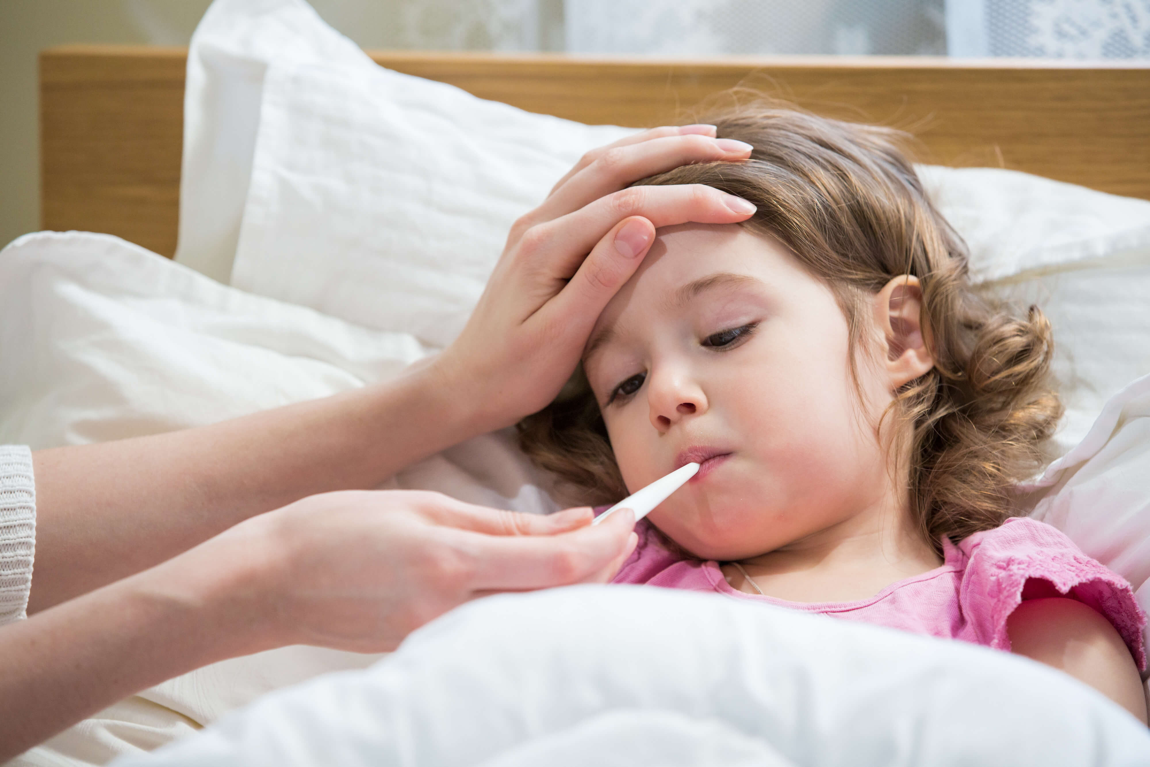 Лихорадка: стадии, симптомы, причины, лечение