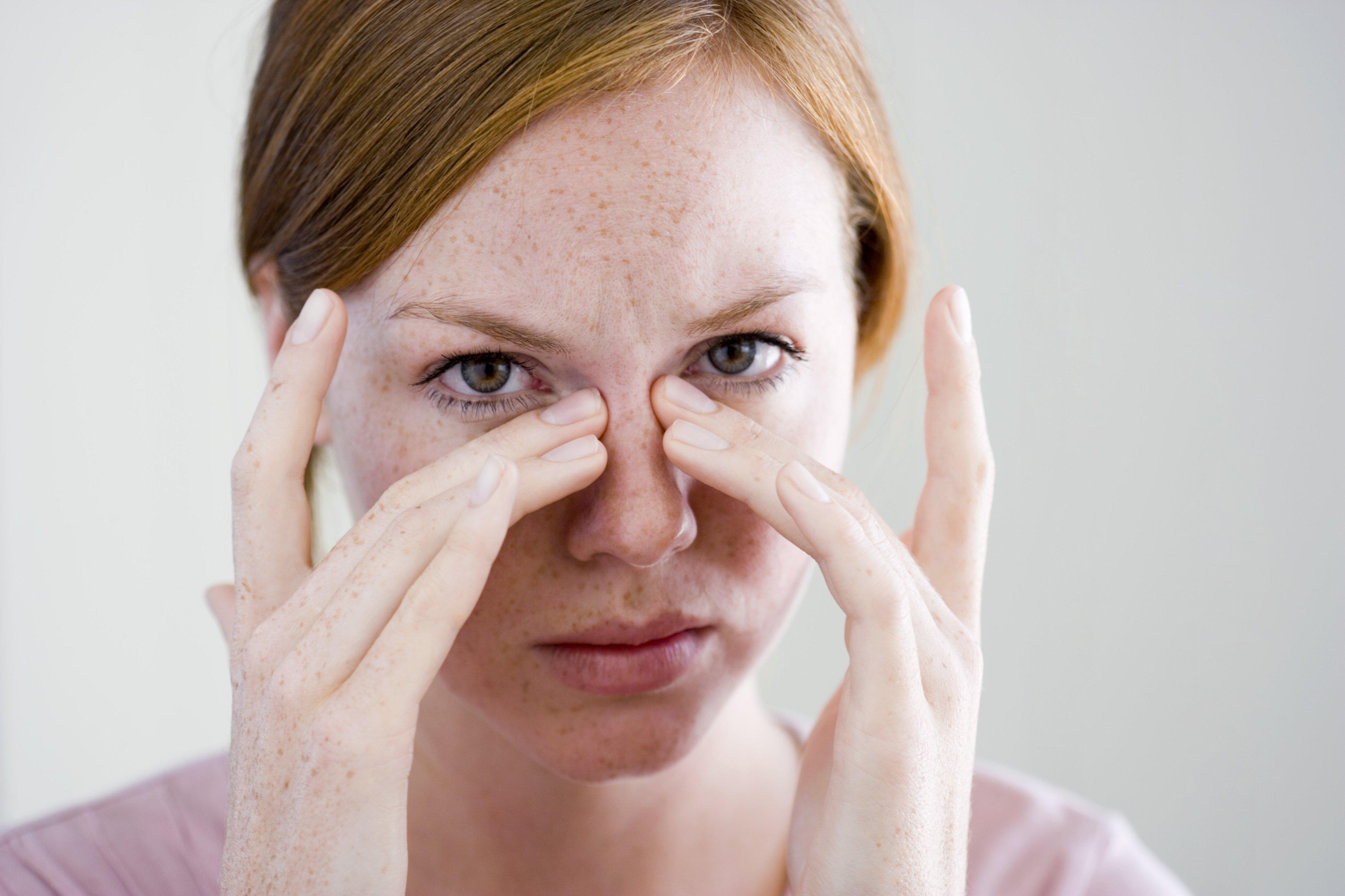 Диплопия (двоение в глазах): причины, лечение консервативными и народными средствами, монокулярная и бинокулярная диплопия