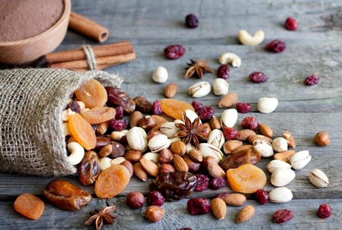 Курага: польза и вред, калорийность