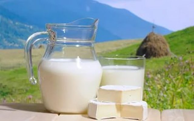 Топленое молоко: состав и польза. топленое молоко в домашних условиях - вмоменте