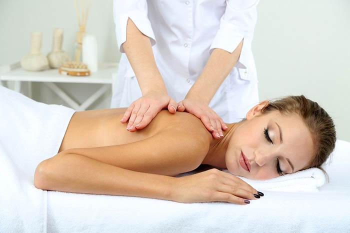 Как сделать лимфодренажный массаж в домашних условиях?