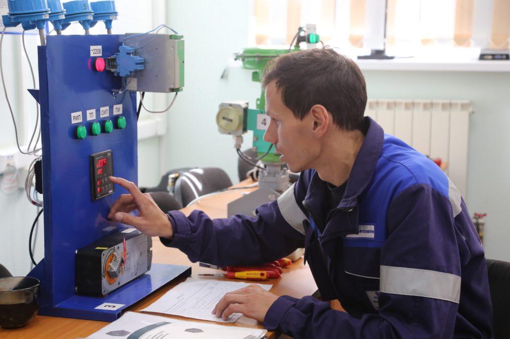 Обязанности слесаря кипиа | главный механик