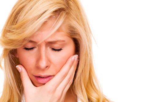 Зубной флюс - как быстро снять опухоль и отек на десне, какие средства помогают?