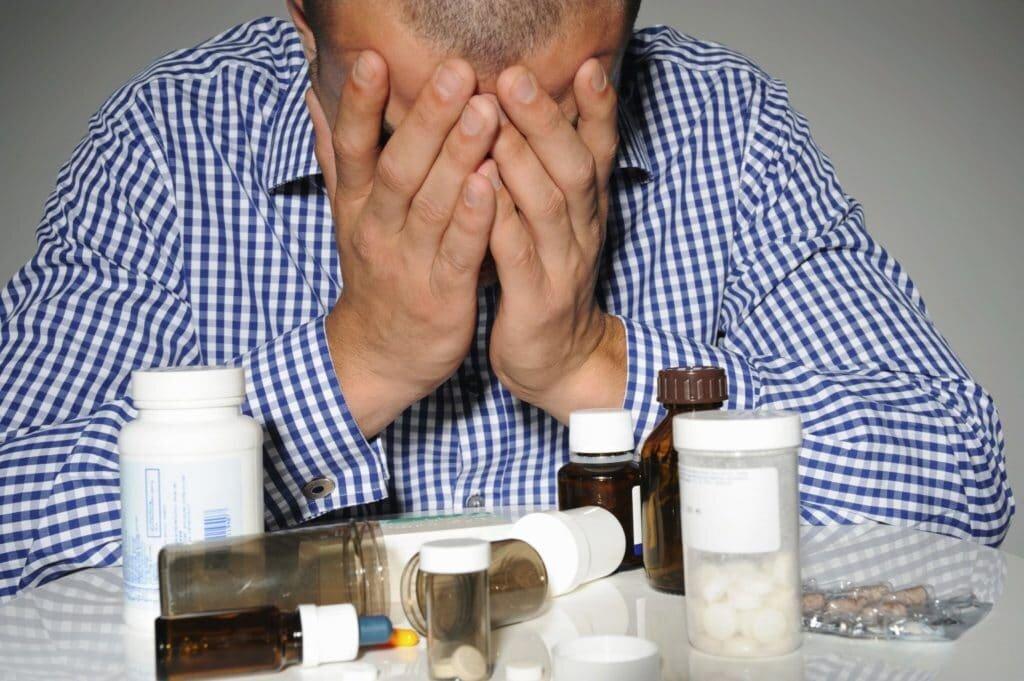 Причины запойного пьянства, признаки, способы лечения и осложнения