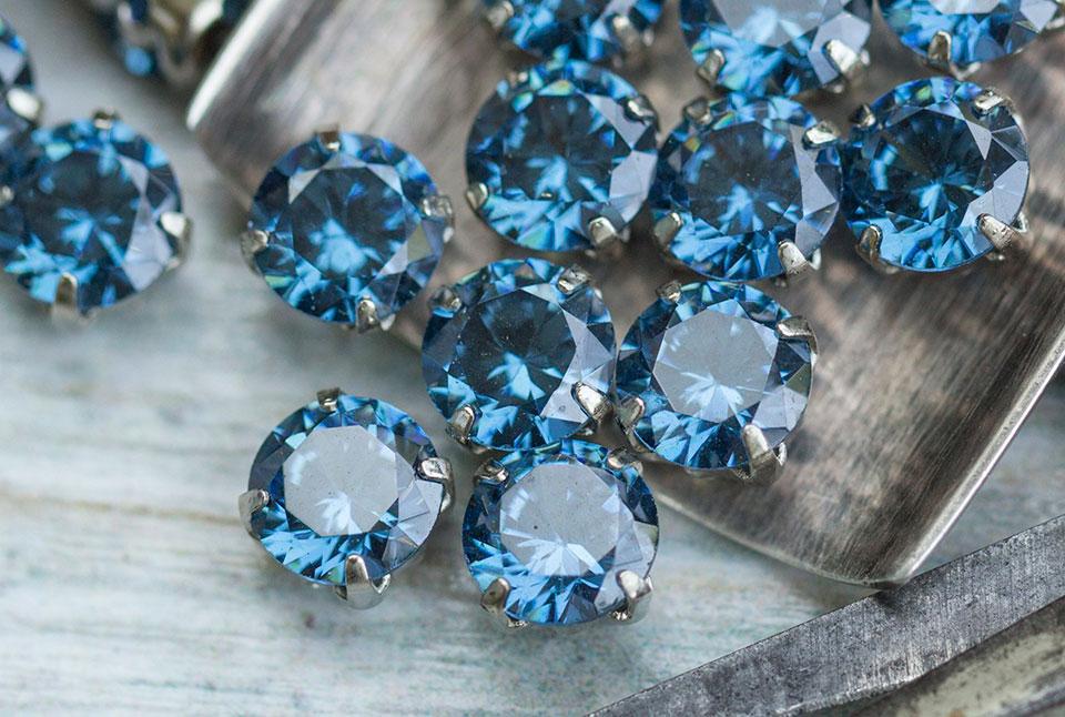 Камень фианит: свойства, фото, кому подходит по знаку зодиака