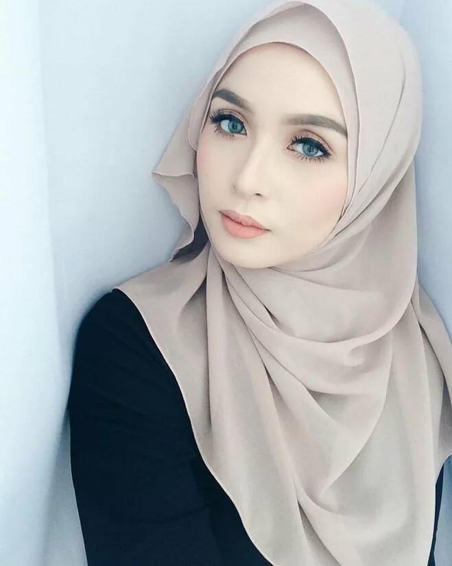 Что такое хиджаб у мусульман и зачем его носят? история появления, плюсы и минусы. чем отличается от других платков? как носить хиджаб? | рубрика про платки
