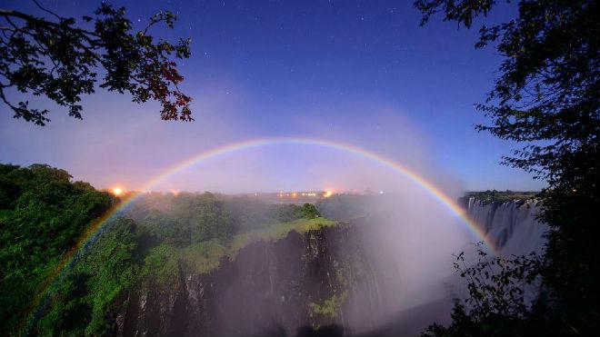 Почему радуга разноцветная?