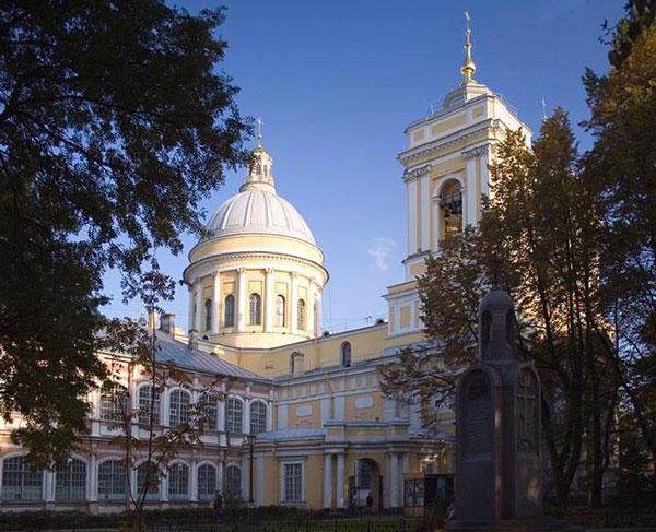 Лавры на украине и в россии