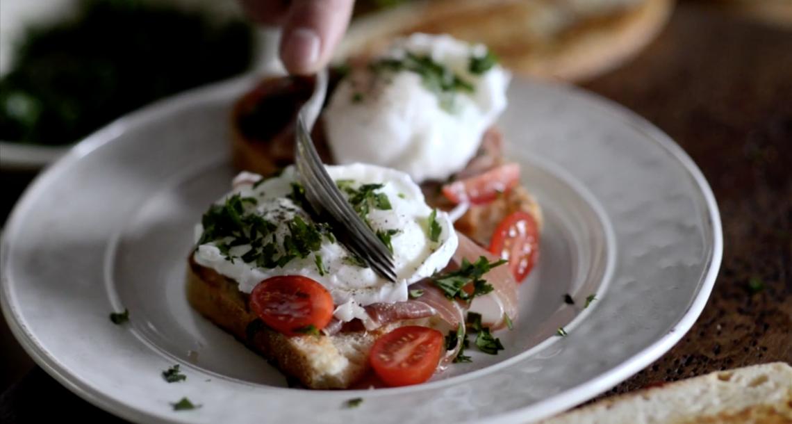 Яйцо пашот в панировке – кулинарный рецепт