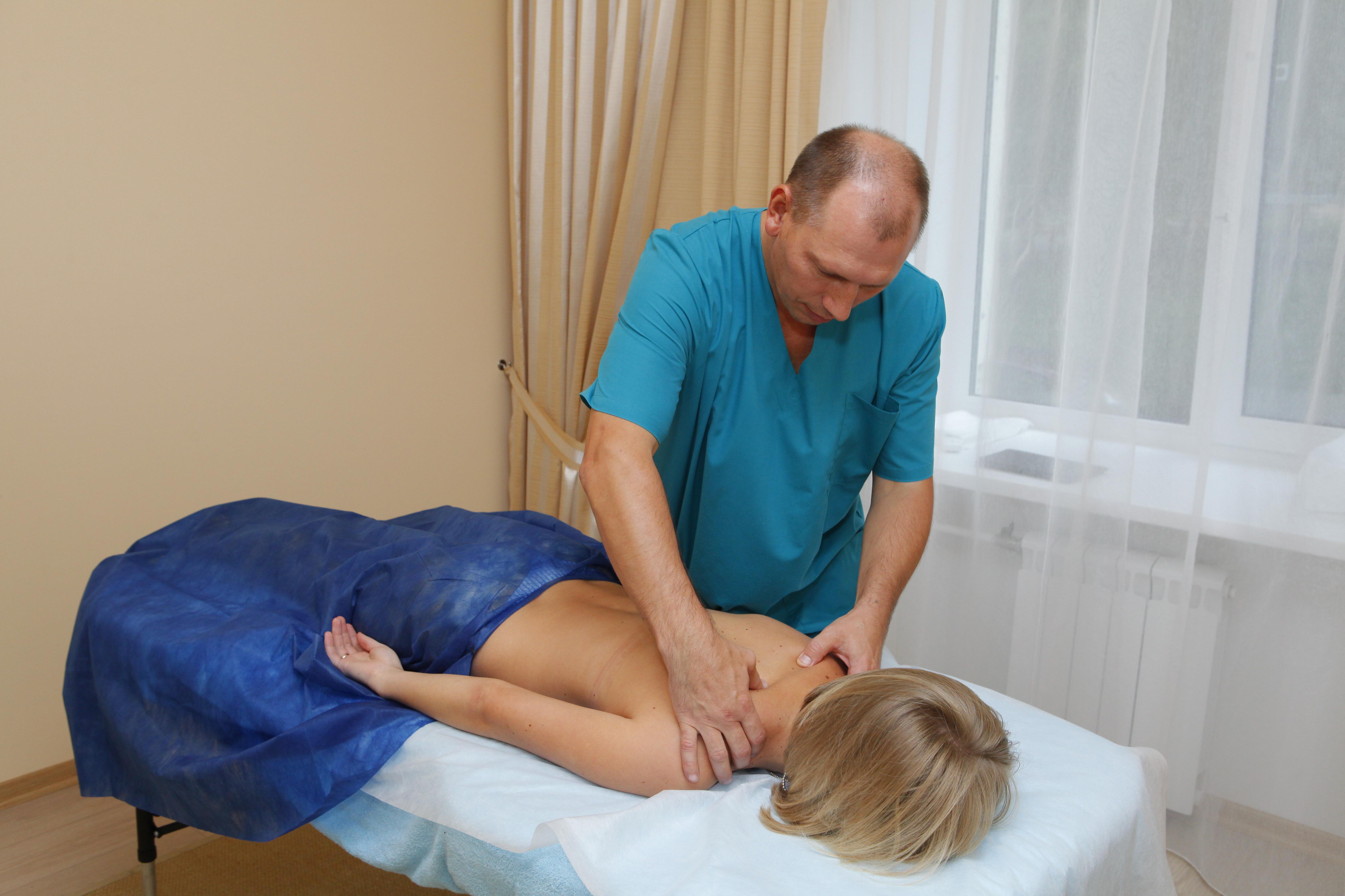 Остеопатия: что это такое и что лечит у детей и взрослых