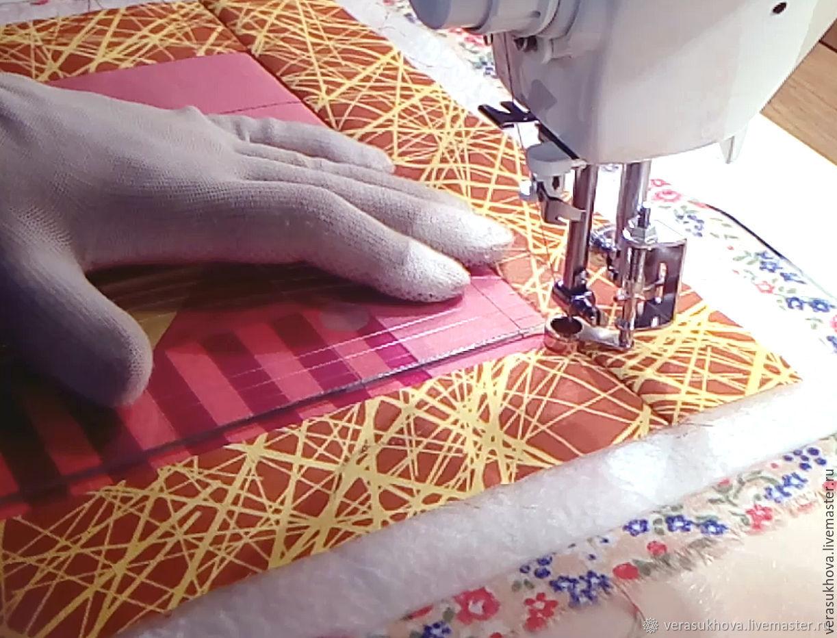 Чем квилтинг отличается от пэчворка, что представляет собой эта техника рукоделия, как работать в ней на швейной машине?