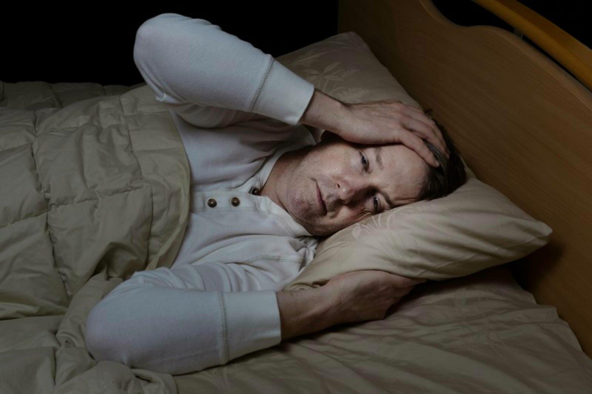 Хроническая бессонница: причины, и что с этим делать?