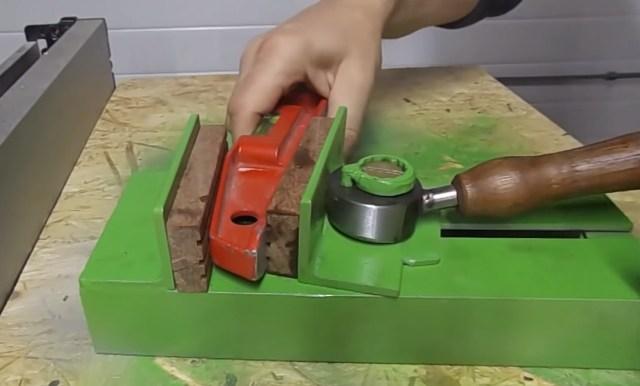 Ручные тиски: виды металлических ручных мини-тисков. гост инструментов для сварки