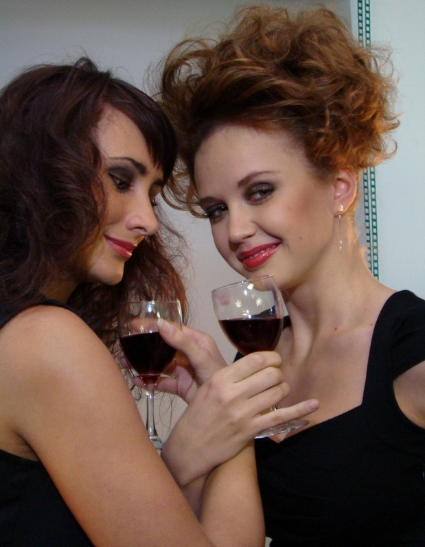 Как пить на брудершафт с девушкой. что означает «выпить на брудершафт»
