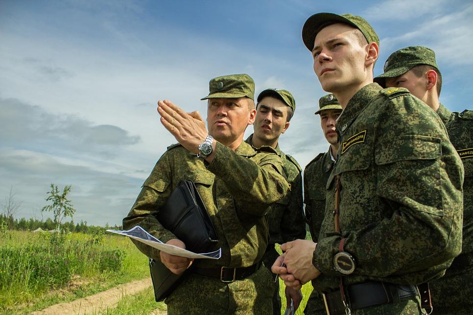 Военные сборы 2018: кого и на сколько призовут, что ждет уклонистов, разъяснение военного эксперта | новости
