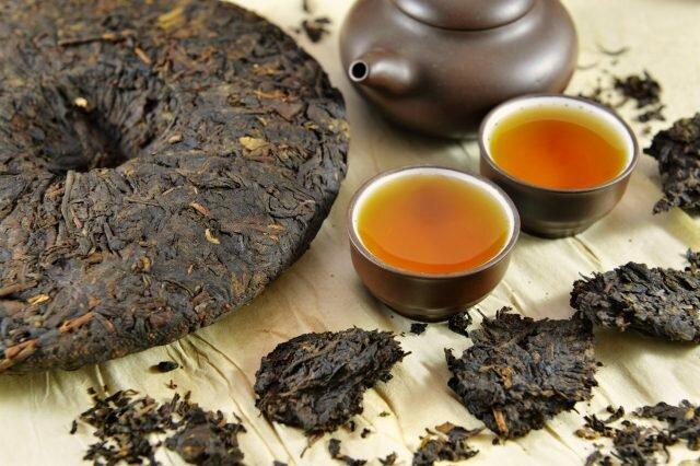Ферментация - это один из этапов обработки чайных листьев.