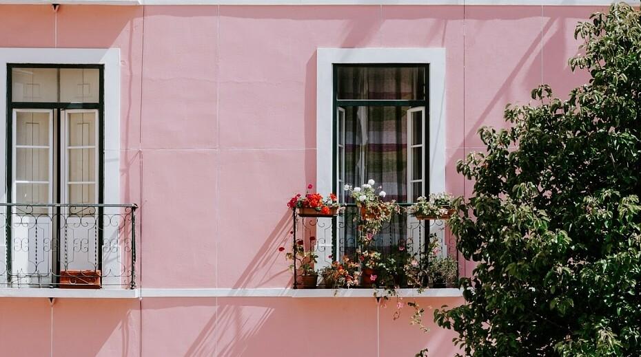 Французский балкон: что это такое, виды, плюсы и минусы, отзывы, фото внутри и снаружи