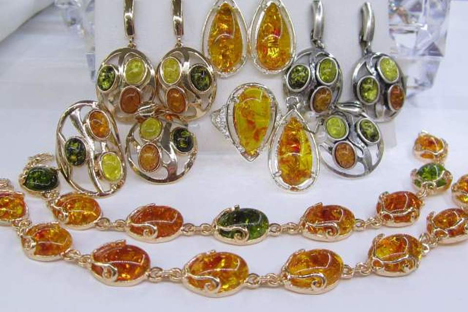Дубайское золото: состав ювелирной бижутерии, особенности ухода, тонкости выбора