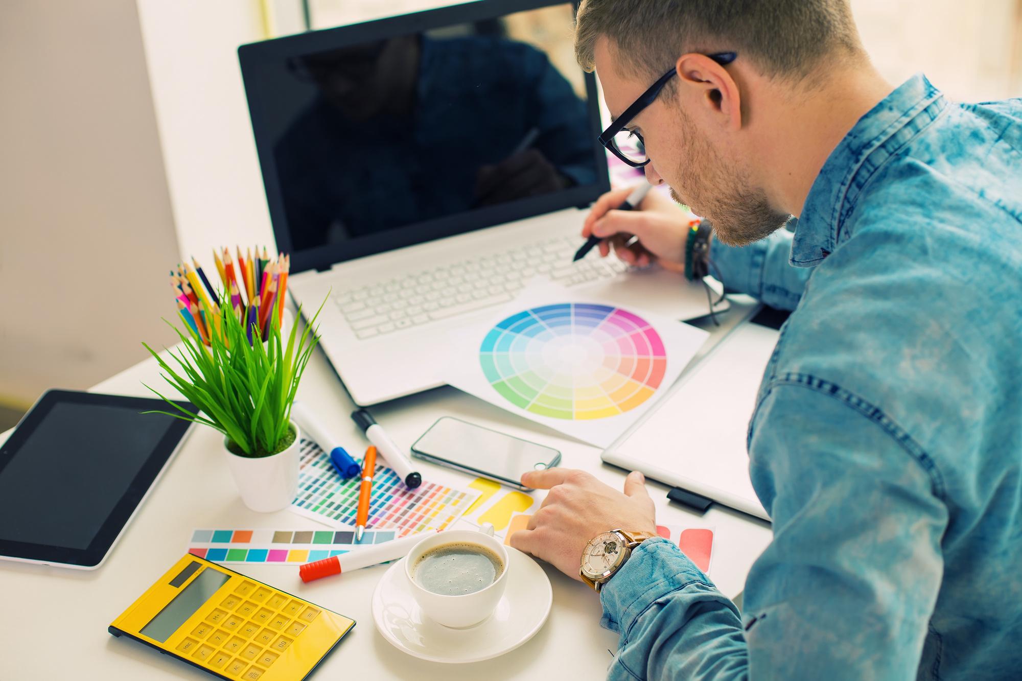 Веб-дизайнер: кто это такой, что делает, с чего начать работу новичку
