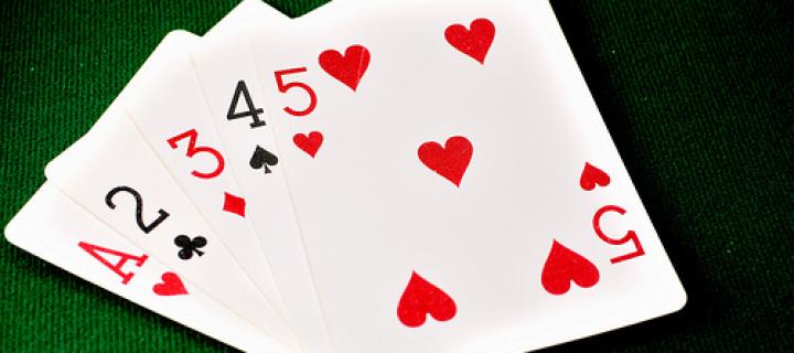 Стрит в покере – комбинация из пяти карт по возрастанию
