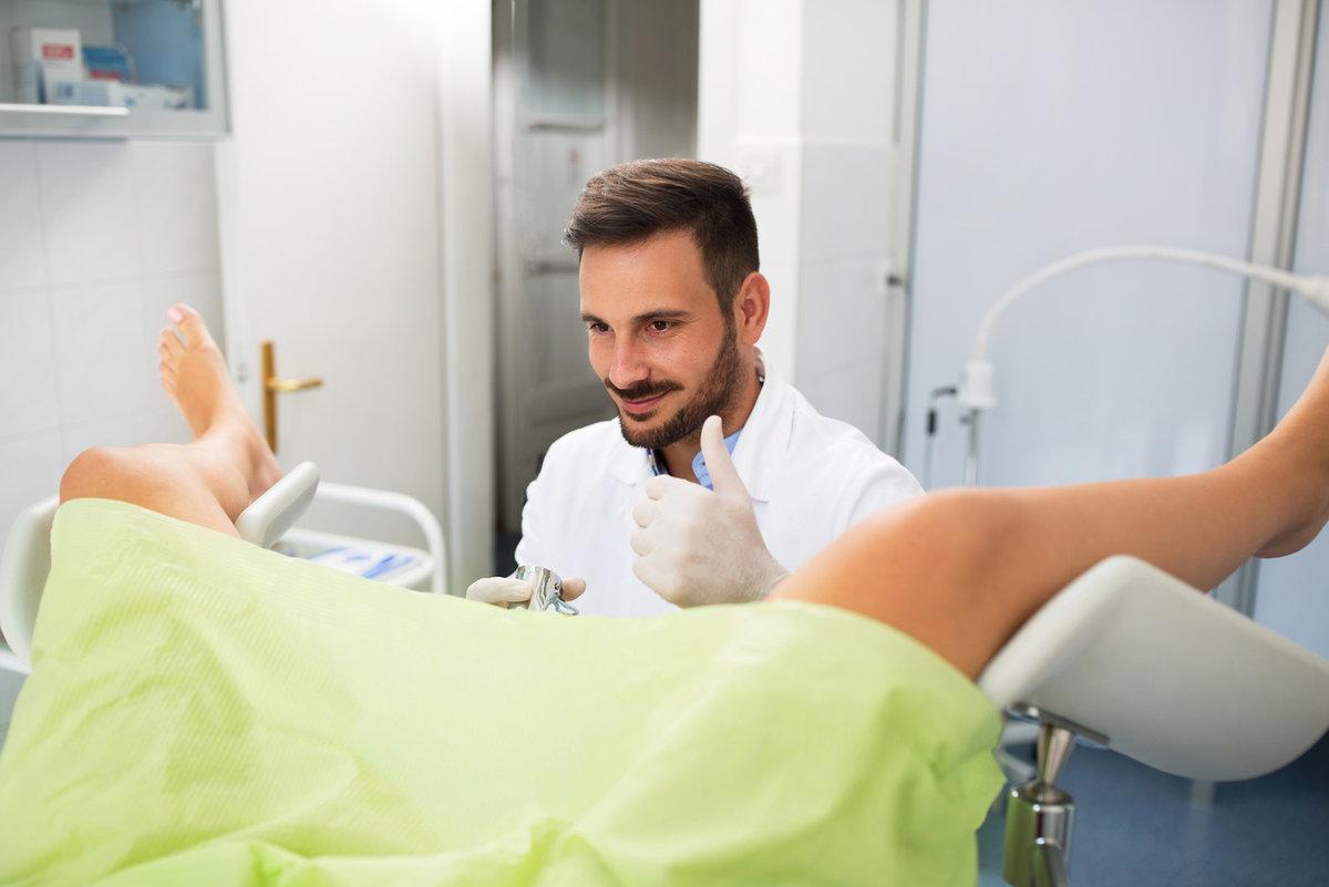 Какие болезни лечит гинеколог и что делает он на приеме? // всё о врачах!