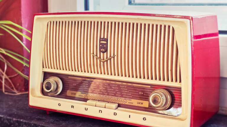 Что такое интернет-радио, и как это работает?
