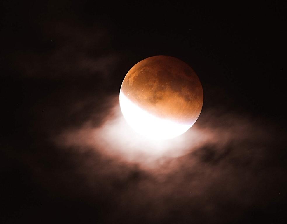 Что такое лунные затмения их виды и почему они происходят