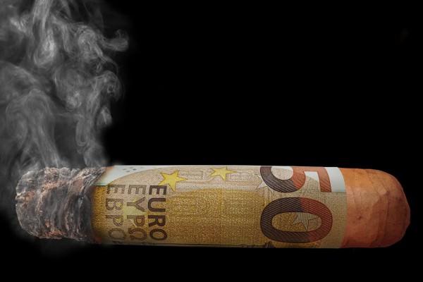 Пассивный курильщик – кто это такой и как на него действует дым от сигарет